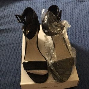 Alfani black ankle strap wedges Terrific condition